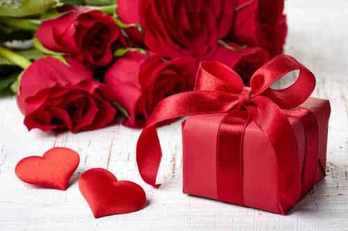 10 Hochzeitstag Rosenhochzeit Geschenke Sprüche