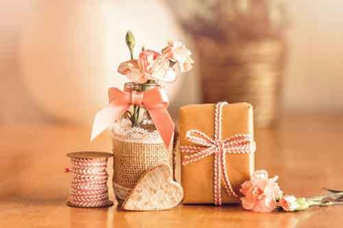 28 Hochzeitstag Nelkenhochzeit Geschenke Sprüche